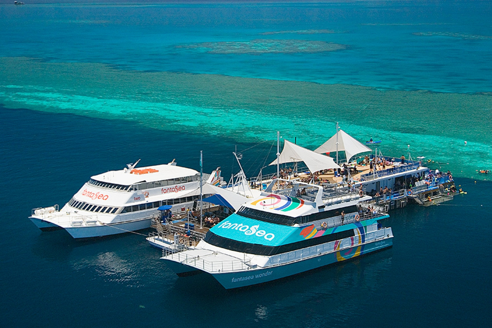 Fantasea Cruising Pontoon, Whitsundays